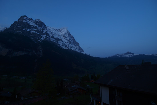 アイガー山の夜景